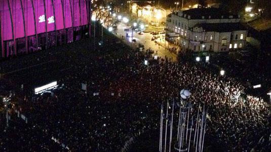 Spectacle des Anooki sur la place de l'Europe à Kiev